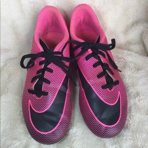 NIKE Youth Pink and Black Cleats